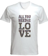 remera estampada all you need is love beatles